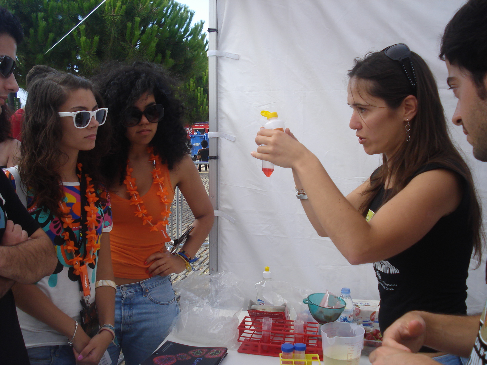 DNA extraction at the IGC stand
